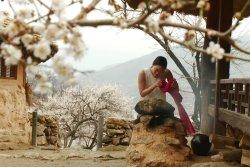 ODE ON A KOREAN URN